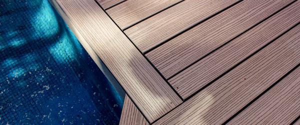 piscine terrasse en composite