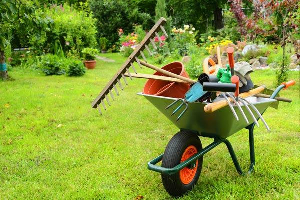 Tarif jardinier quel est le tarif horaire pour l for Tarif entretien jardin